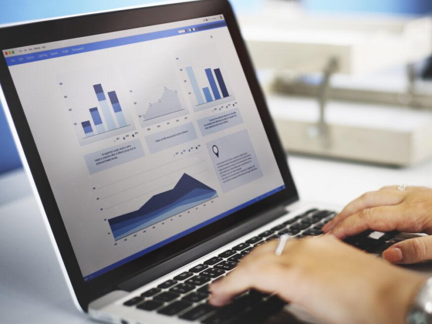 statistik på laptopskärm